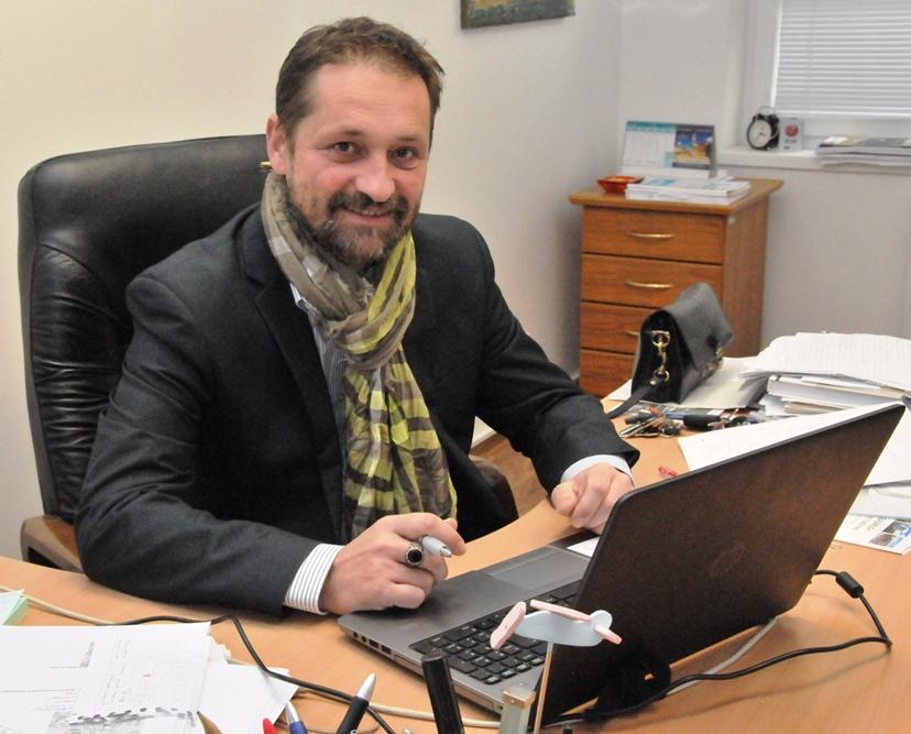 Pán riaditeľ Milata úraduje :)