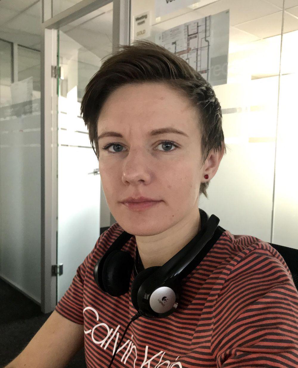 Mariana vo svojom prirodzenom prostredí - pracuje vo firme Ness